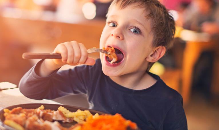 กินช้ากับกินเร็ว การกิน 2 แบบนี้อย่างไหนอ้วนง่ายกว่ากัน 1