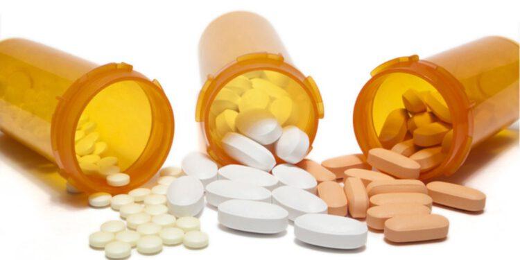 ยาอะซิโธรมัยซิน (Azithromycin) ยาปฏิชีวนะ ยาฆ่าเชื้อแบคทีเรีย