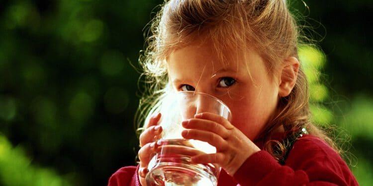 ดื่มน้ำดื่มสะอาด เพื่อภูมิคุ้มกันที่ดีและร่างกายที่แข็งแรง