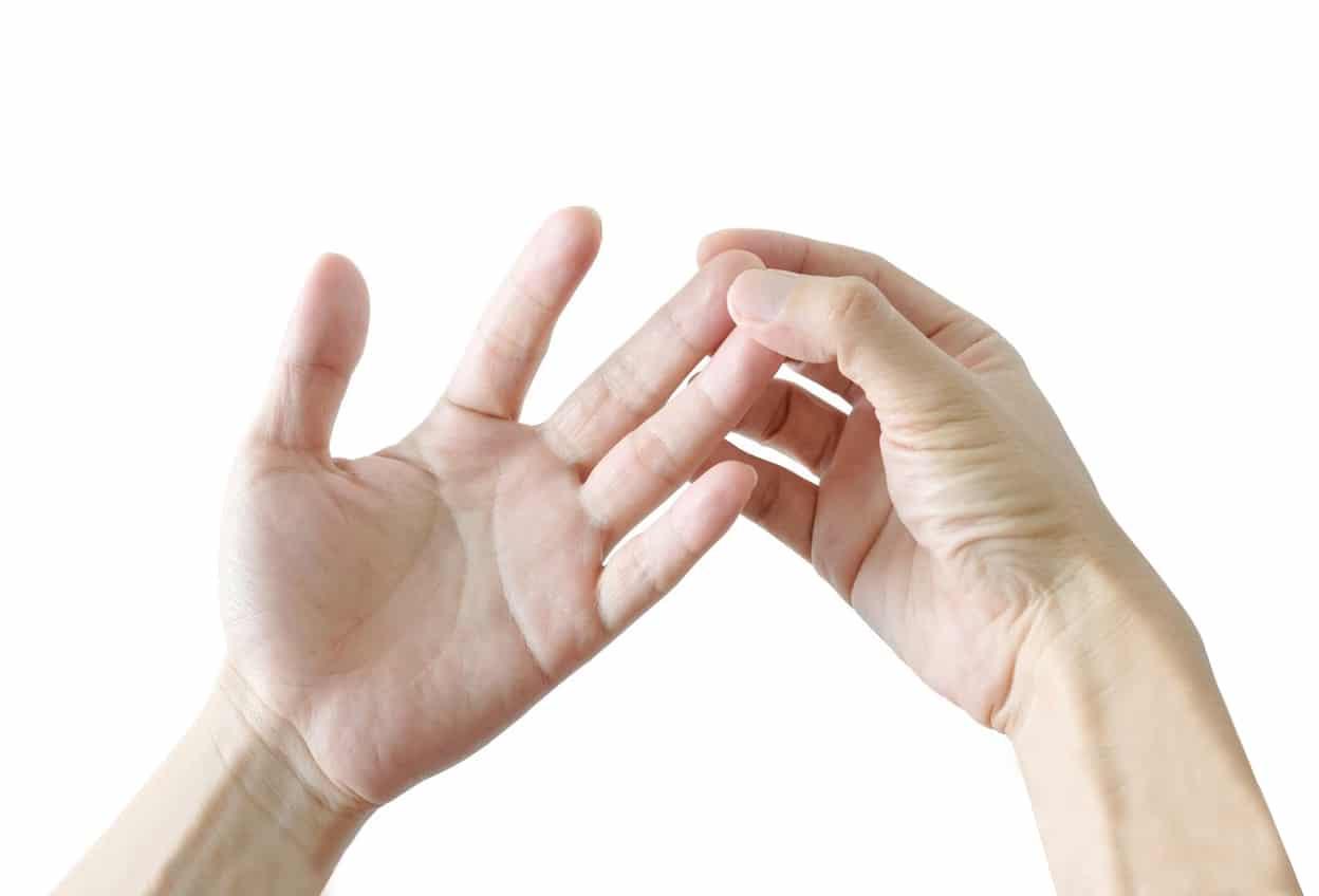 เคยไหมกับอาการปวดชาที่ปลายนิ้ว? มาหาคำตอบกันเถอะว่าอาการปลายนิ้วชาเกิดจากอะไร
