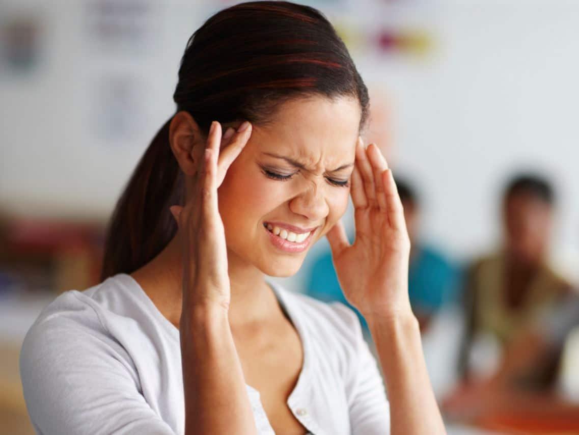 อาการปวดหัวบ่อยแบบไหนควรไปหาหมอ?